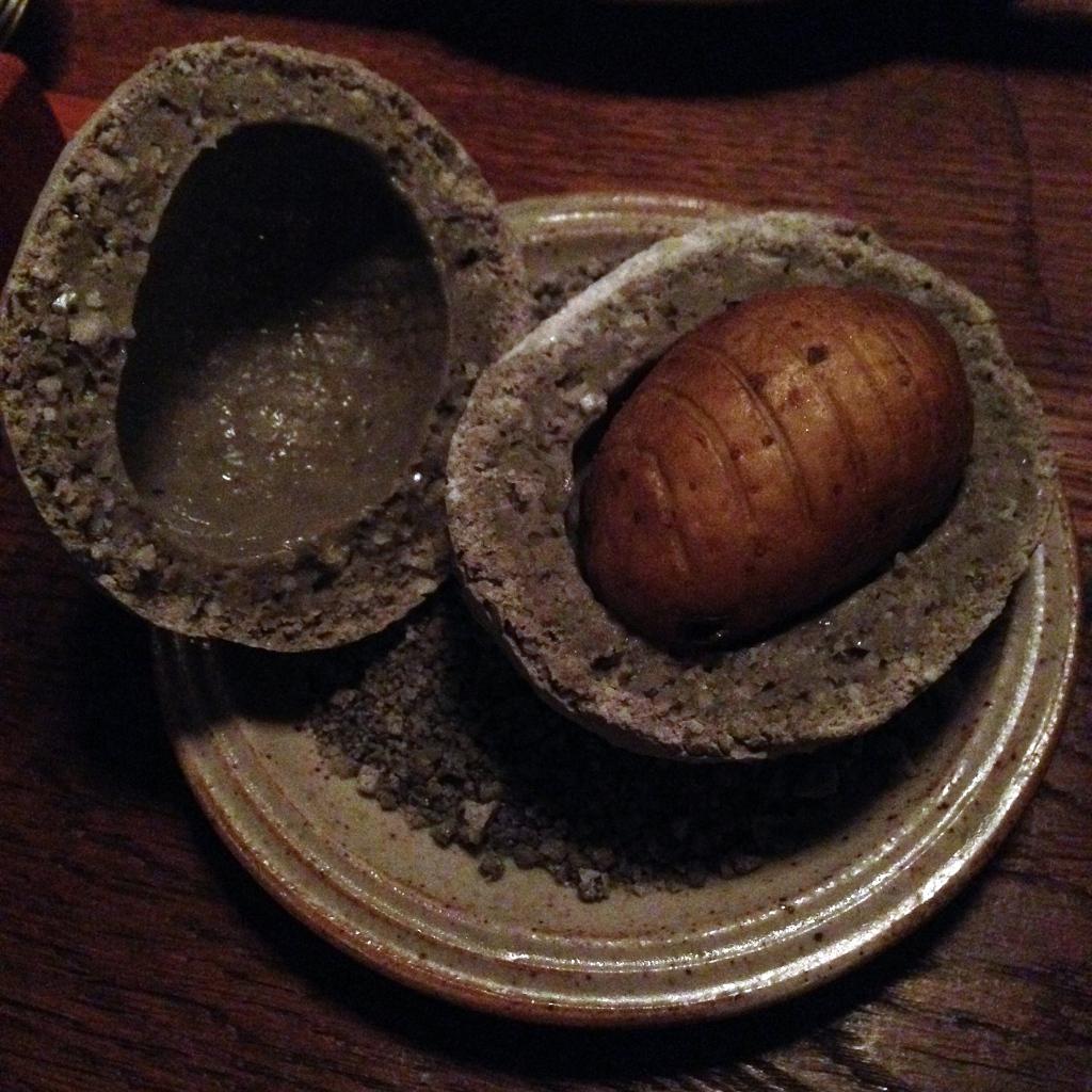 Aardappel In Zout- En Askorst