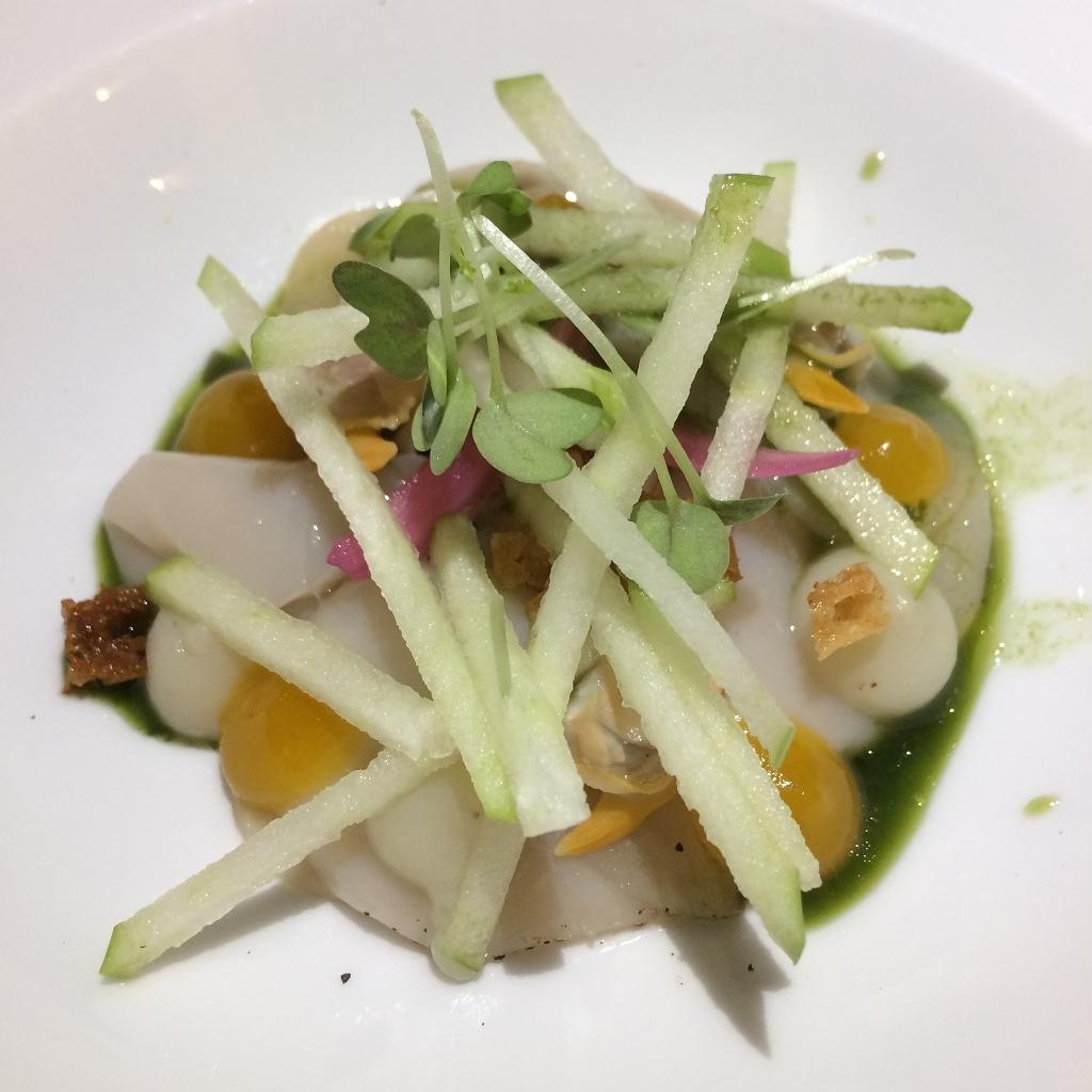 Carpaccio Saint-Jacques - kokkel - aardpeer - beuling - kumquat