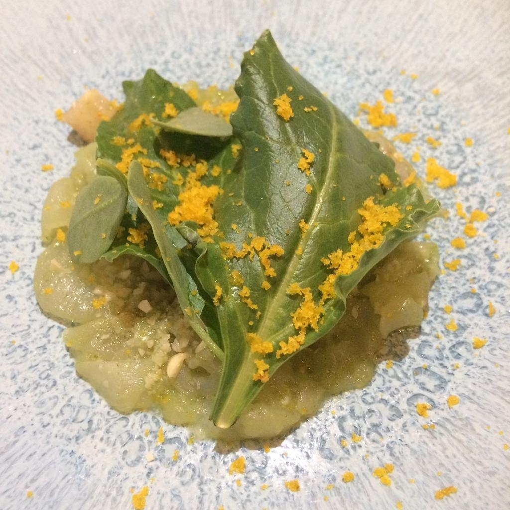 Schelvis, verjus, spinazie en amandel