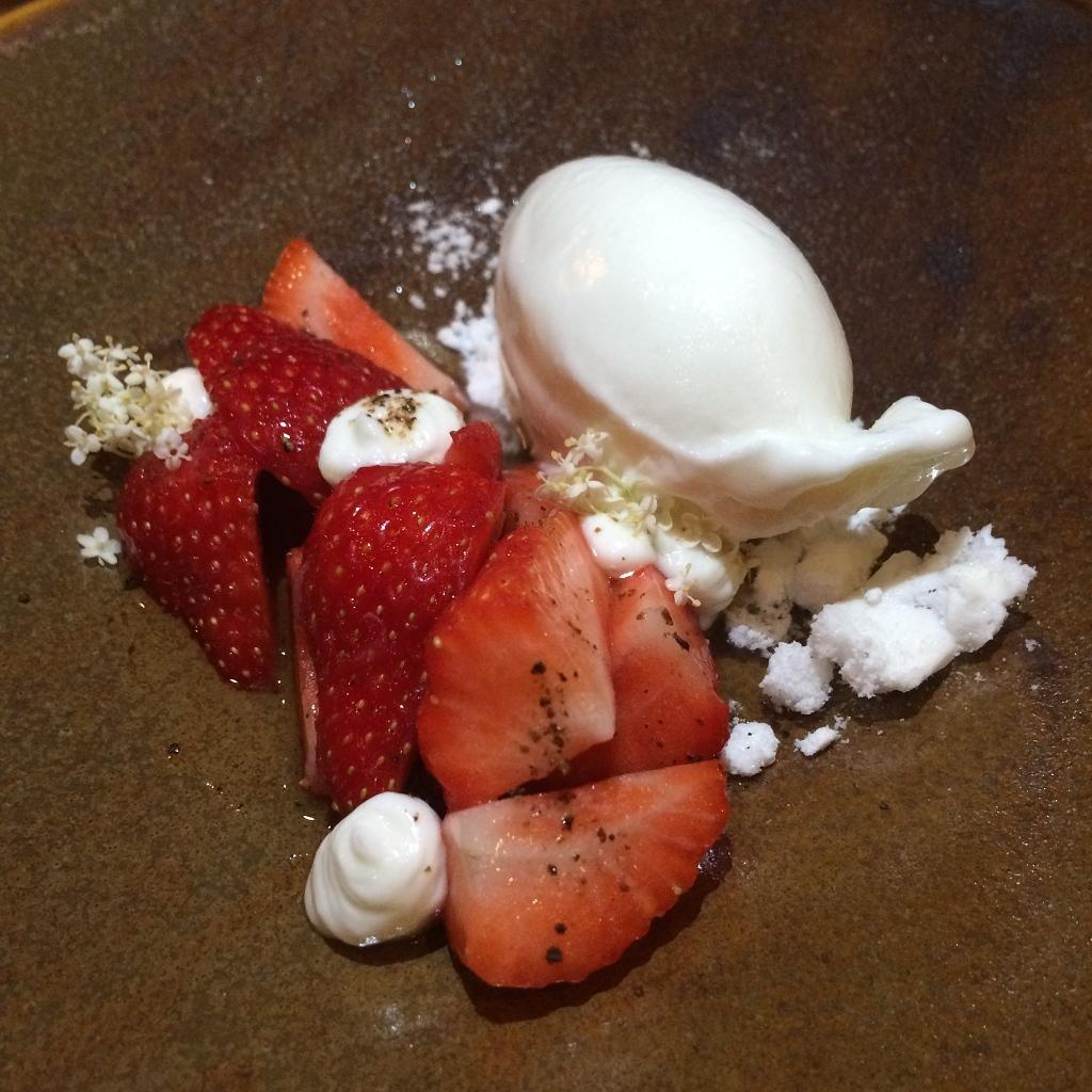Aardbei, vlierbloesem en geitenmelk