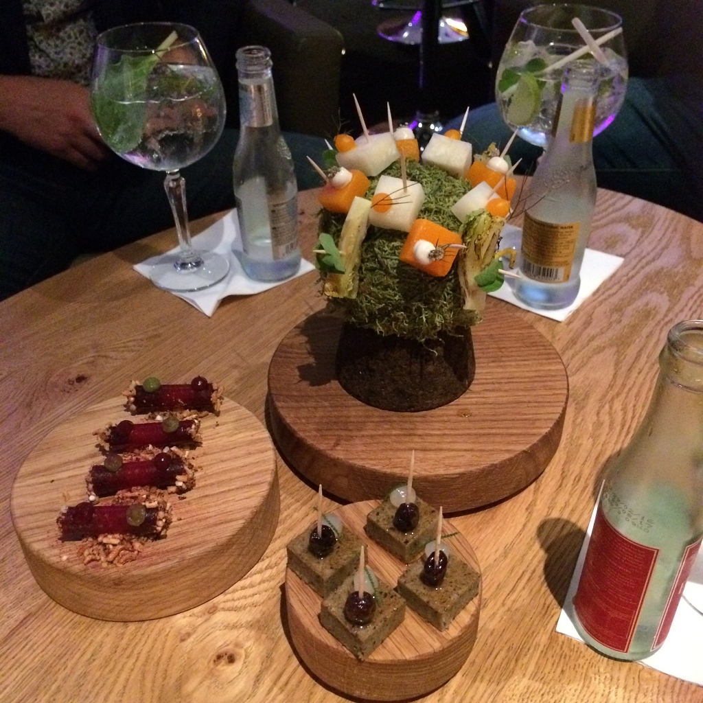 olijvencake / mos+zomerprikkels / bietjes+augurk