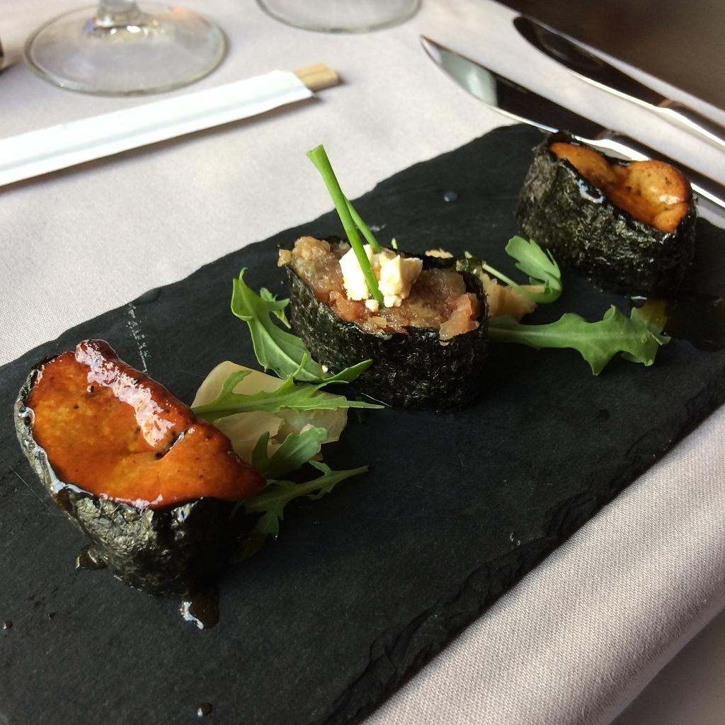 sushi met ganzenlever en tartaar van zalm